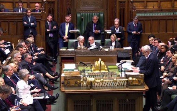 ЕХ-оос гарах хэлэлцээрийг Английн парламент эсэргүүцлээ