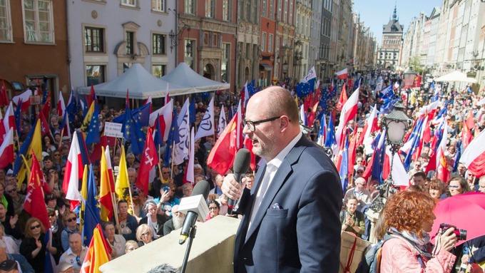 Халдлагад өртсөн Гданьск хотын захирагч нас баржээ
