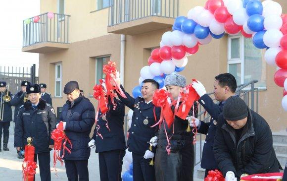 Чингэлтэй дүүрэг дэх цагдаагийн II хэлтсийн алба хаагчид шинэ орон сууцны нээлтийн ёслолоо хийлээ