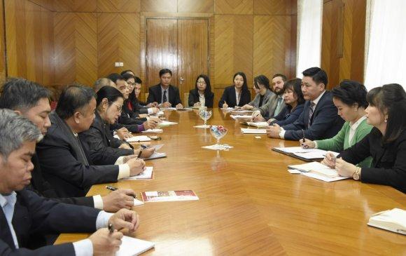 Ё.Баатарбилэг Лаосын төрийн захиргааны ажилтнуудыг хүлээн авч уулзлаа