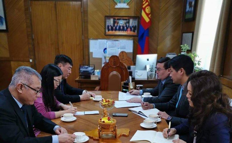 Монгол улс БНХАУ-тай дипломат харилцаа тогтоосны 70 жилийн ой энэ онд тохиож байна