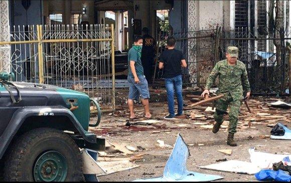 Филиппинд террорист халдлага гарч, 19 хүн амиа алдлаа