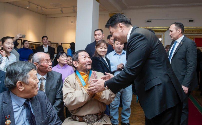 У.Хүрэлсүх: Монгол сайхан бичиг соёлоо дэлгэрүүлэхэд Засгийн газар бүх талаар тусалж дэмжинэ