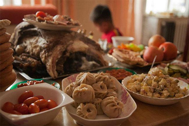 Монголчуудын 64 хувь нь Цагаан сар тэмдэглэдэг