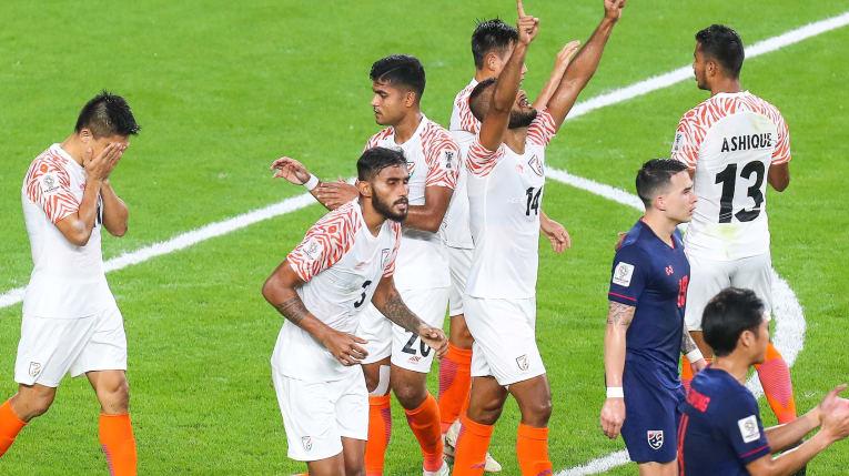 Энэтхэг, Йорданы хөлбөмбөгчид эхний шуугианыг тарив