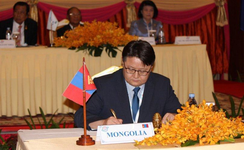 Ази, Номхон далайн орнуудын парламентын чуулганы 27 дугаар хуралдаанд оролцлоо
