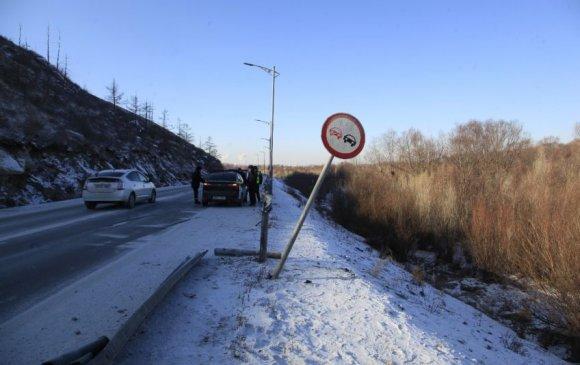 Уулын замд хурд хэтрүүлснээс үүдсэн зам тээврийн осол нэмэгджээ