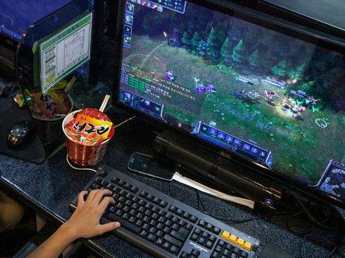 PC тоглоомын газруудад хяналт тавьжээ