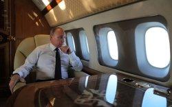 """Сурагч хүү Путины """"Ил-96"""" онгоцонд зочилжээ"""