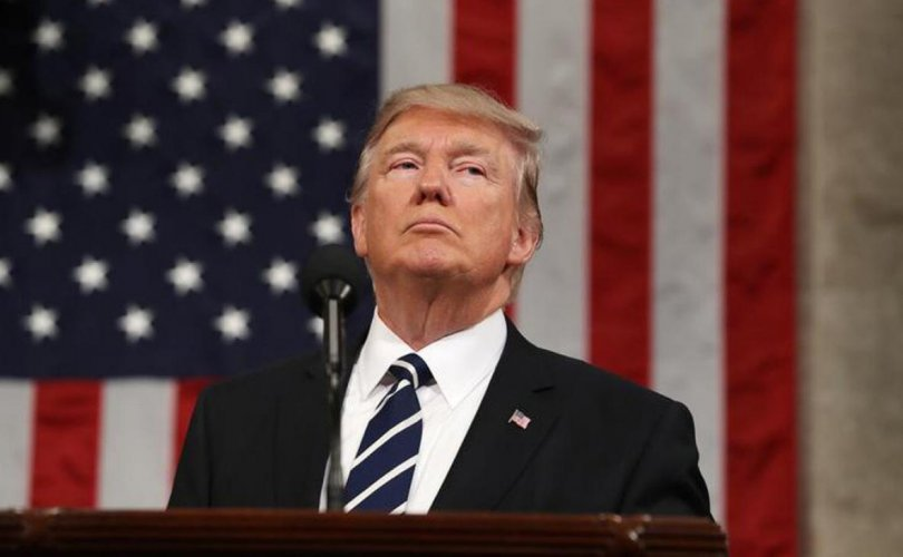 Трампыг Ерөнхийлөгч болсноос хойш АНУ-ын өр 2 их наядаар өсчээ