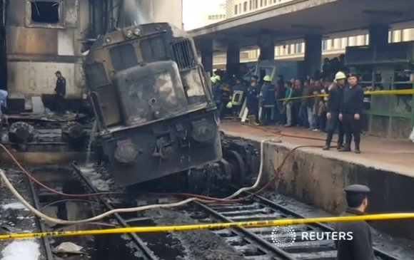 20 зорчигч амиа алдаж, Египетийн Зам тээврийн сайд огцров