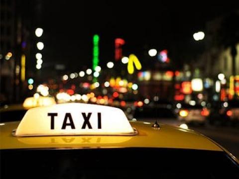 Такси барьсан гадаад иргэдийг дээрэмджээ