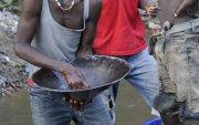 Либерийн алтны уурхайн сүйрэл: Нинжа нарыг баривчилсаар байна