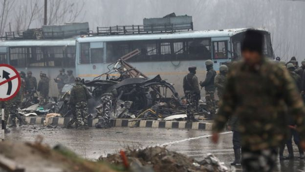 Кашмирт болсон халдлагад 40 хүн амиа алджээ