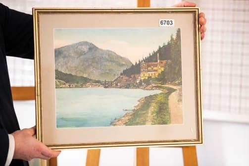 Гитлерийн зурсан зураг зарагдсангүй