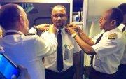 Онгоцны цэвэрлэгчээр ажилд ороод 24 жилийн дараа ахмад болжээ