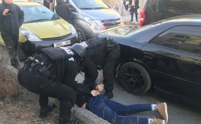 Хар тамхи хууль бусаар тээвэрлэсэн этгээдийг баривчиллаа