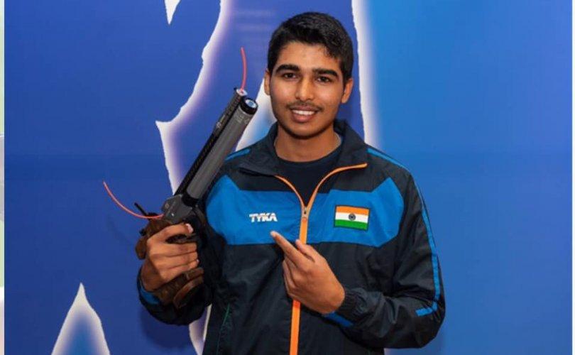17 настай Энэтхэг залуу олимпийн эрхээ авчээ