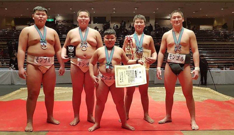 """""""Хакүхо цом""""-оос Монголын баг алт, хүрэл медаль хүртэв"""