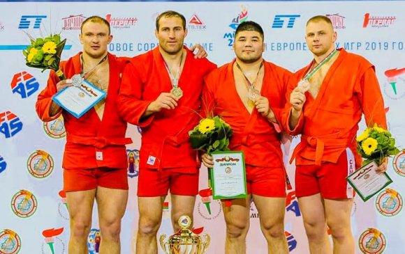 Самбочид Беларусын ерөнхийлөгчийн цомд түрүүлэв