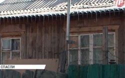 Дөрөвтэй хүү эмээгийнхээ цогцосны хажууд, цоожтой байшинд тав хоножээ
