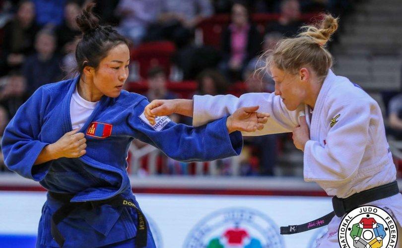 Монголын баг нэг мөнгө, хоёр хүрэл медаль хүртэв