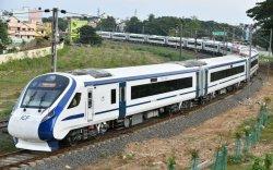 Энэтхэгийн анхны хурдан галт тэрэг эхний өдрөө эвдрэв