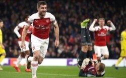 Арсенал шөвгийн 16-д шалгарлаа