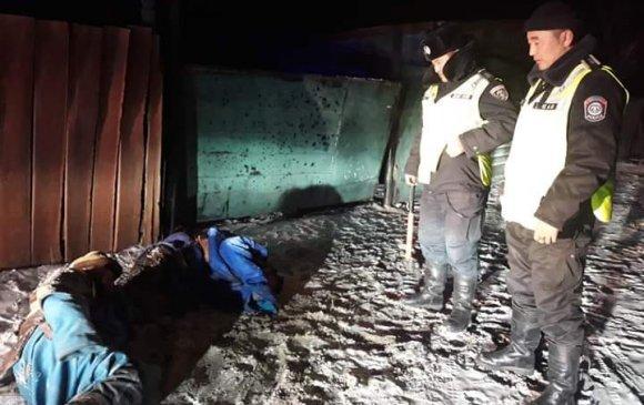 Эргүүлийн алба хаагчид хоёр хүний амь аварчээ