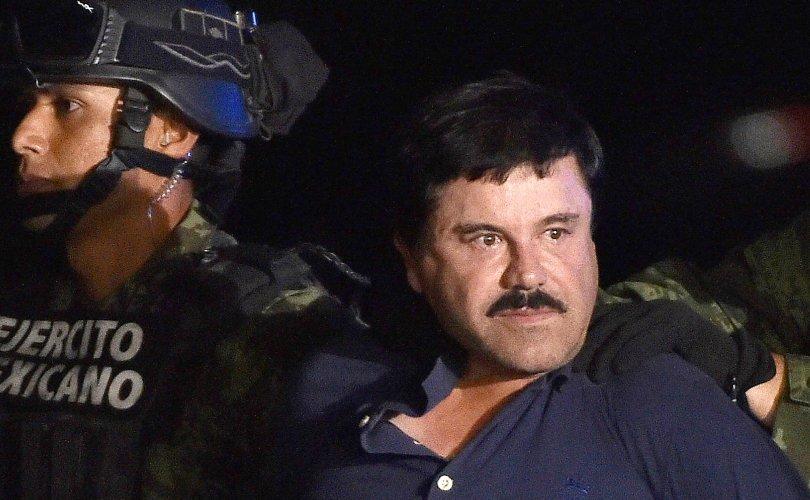 Хар тамхины хаан Эль Чапо бүх насаараа хоригдохоор болов