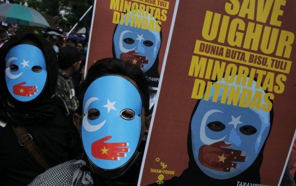 Шинжаан-Уйгур дахь хорих төвөө хаахыг Хятадаас шаардав