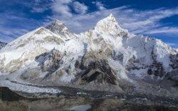 Эверестийн цас мөс хайлж, алга бологсдын цогцос ил гарсаар байна
