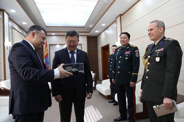 Турк улсаас Монгол улсад суугаа элчин сайдыг хүлээн авч уулзлаа