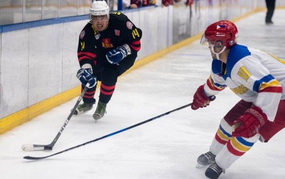 Монголын хоккейчид алтан медалийн төлөө тоглоно