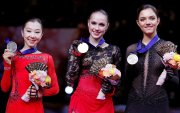 А.Загитова Дэлхийн аварга болж, E.Медведева хүрэл медаль хүртлээ