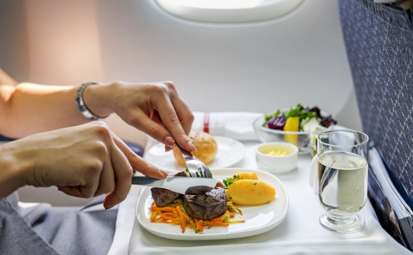 Хамгийн сайхан хоолтой авиакомпаниуд