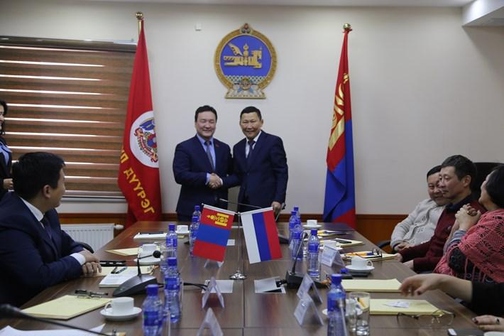 Улан-Үдэ хотын Сэлэнгэ районы засаг дарга, ИТХ-ын төлөөлөгчид албан айлчлал хийлээ