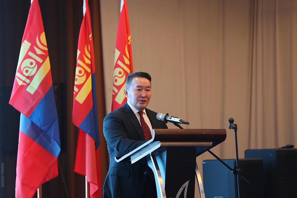 """battulga """"Зүүн хойд Азийн бүс нутгийн нэгдсэн сүлжээний стратеги"""" төслийн уулзалтыг нээж үг хэлэв"""