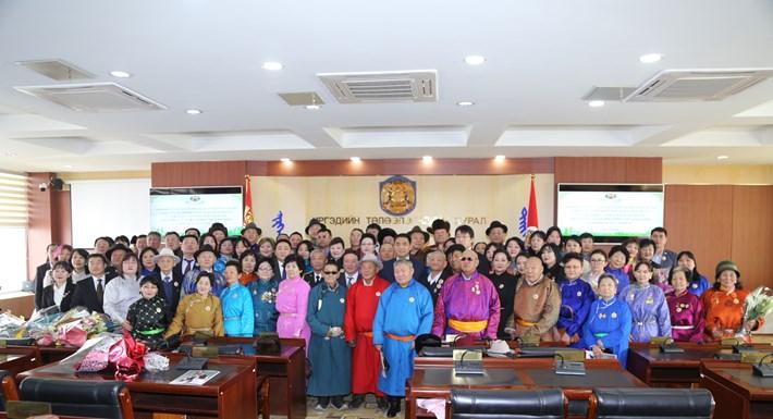 Хан-уул дүүргийн 108 иргэн төрийн дээд одон медалиар энгэрээ мялаалаа