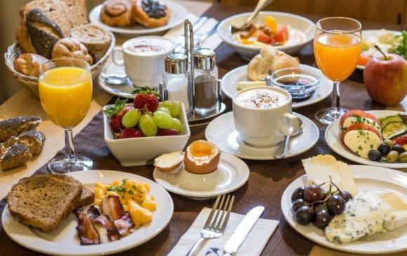 Өглөөний цайнд ямар хүнс хэрэглэх зохимжгүй вэ?
