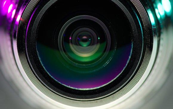 Зочид буудлын үйлчлүүлэгчдийн бичлэгийг онлайнаар зардаг байжээ