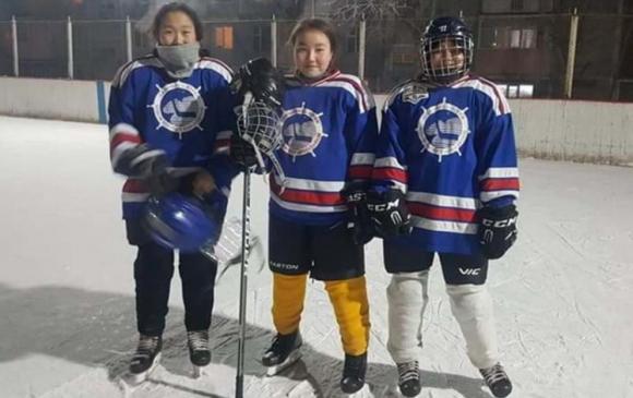 Эмэгтэй хоккейчид Азийн цомд оролцох боломжгүй болжээ