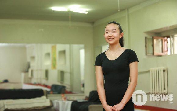 Дэлхийн циркт хүч сорих Монгол нугараач