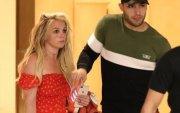Бритни Спирс сэтгэл заслын эмчилгээгээ дуусчээ