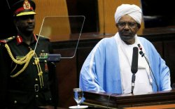 Суданд цэргийн эргэлт гарч, Ерөнхийлөгчөө огцрууллаа