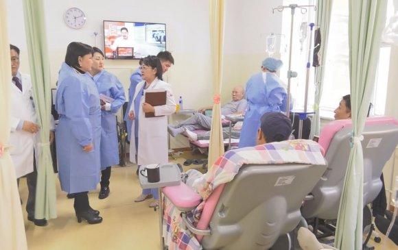 НББСШУ-ны байнгын хорооны дарга, гишүүд ХСҮТ эмнэлэгт ажиллав