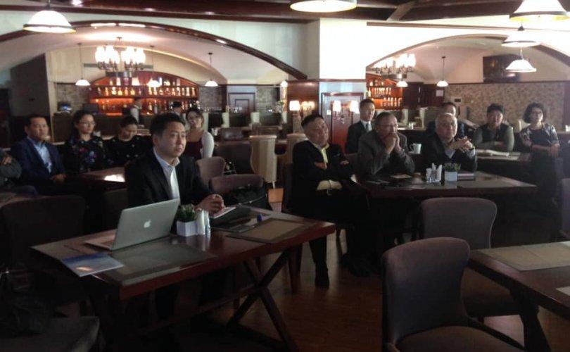Монголыг ардчиллын институцээ яаралтай бэхжүүлэхийг зөвлөжээ