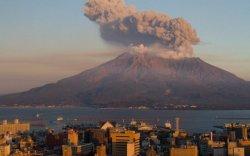 Японы Асо галт уул дахин оргилж эхэлжээ