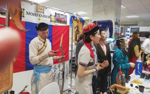 Оюутнууд эх орон, монгол ахуй, соёлоо сурталчлав
