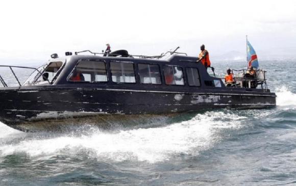 Конгод усан онгоц живж, 150 гаруй хүн сураггүй алга болжээ